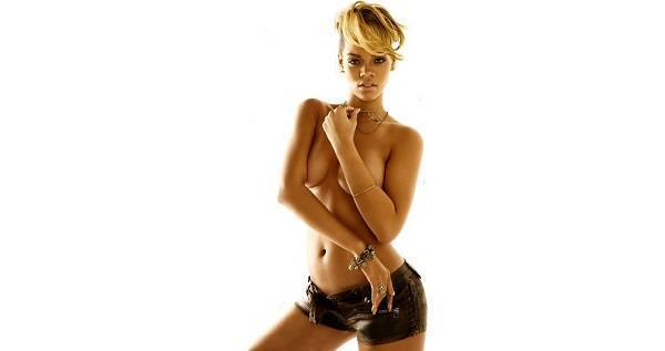Hot Rihanna Topless