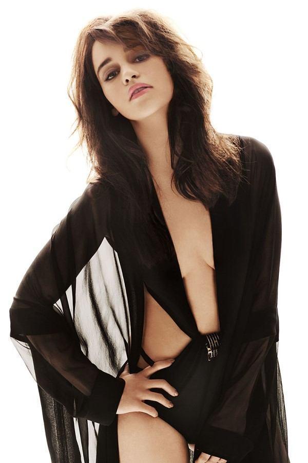 Sexiest Pictuers Of Emillia Clarke