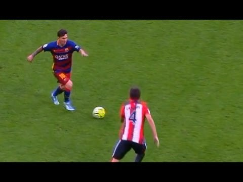 26 Lionel Messi GIFs That Prove He Is A God