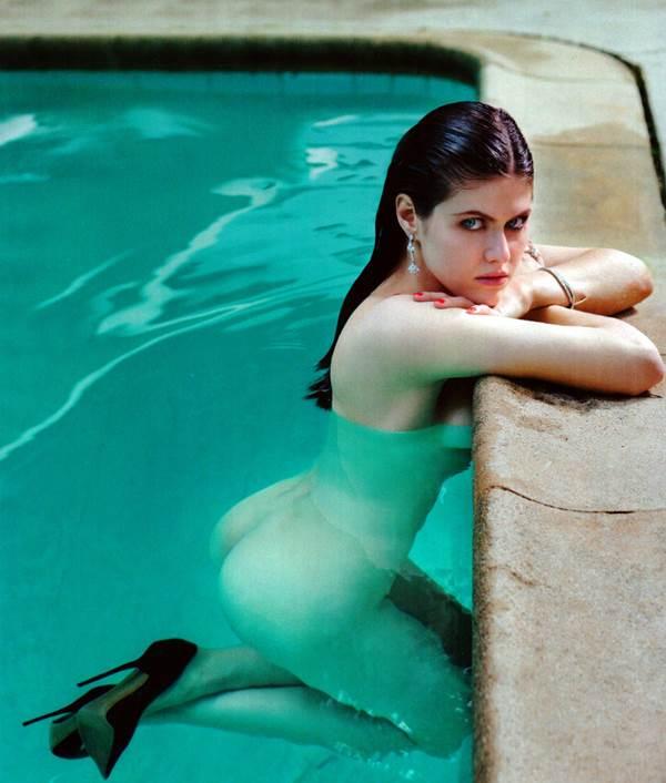 artis paling cantik  Alexandra Daddario sexy