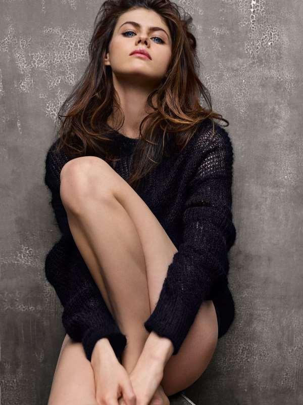 Hot Alexandra Daddario Pictures