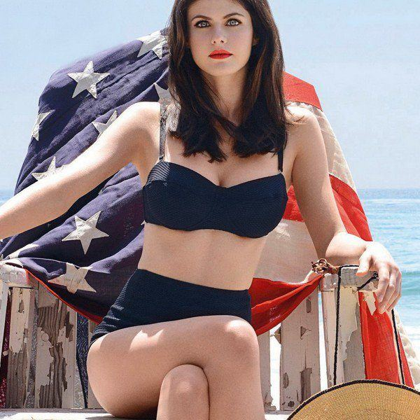 Hot Photos Of Alexandra Daddario