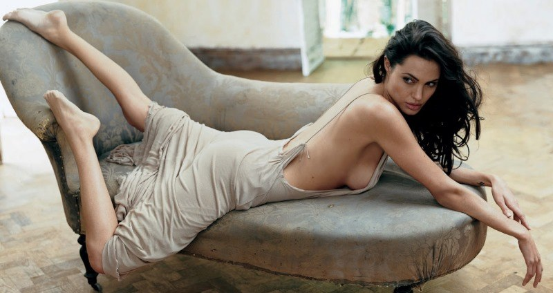 Sexy Angelina Jolie Photographs