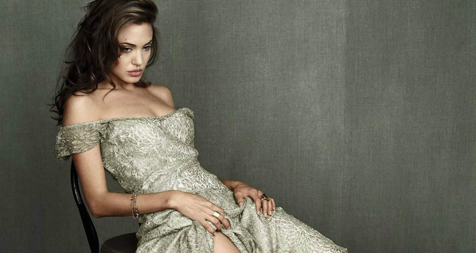 Wallpaper Of Angelina Jolie