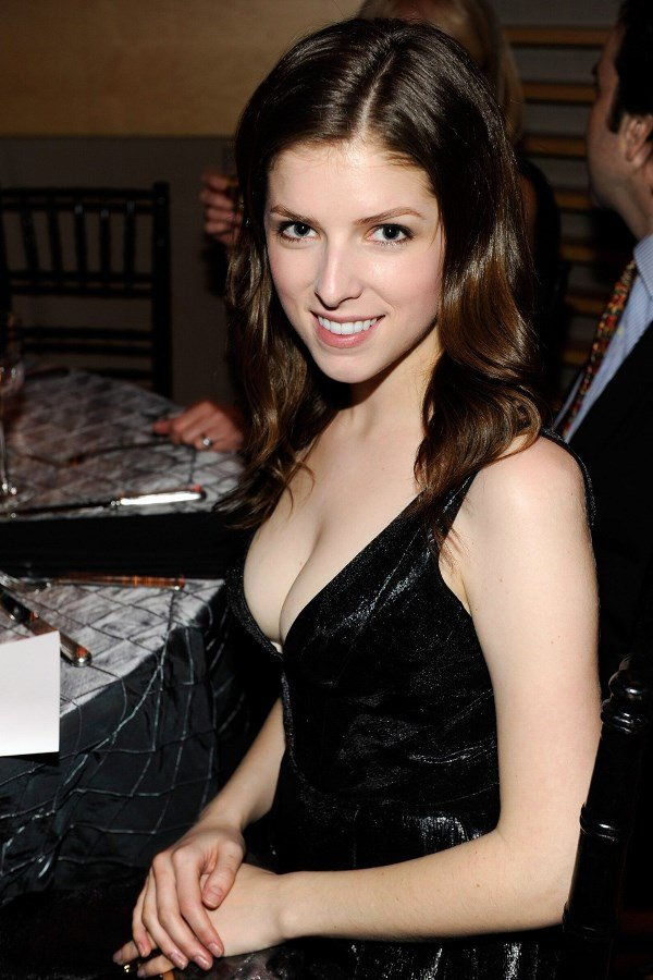 25 Hot Anna Kendrick Pictures That Will Make Your Knees Weak