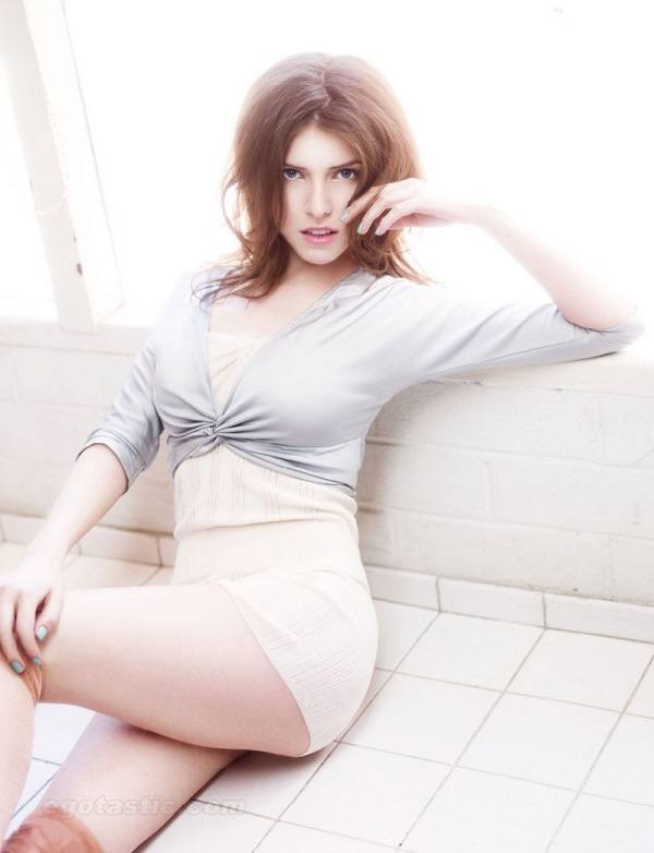 Lounging Hot Anna Kendrick Pictures
