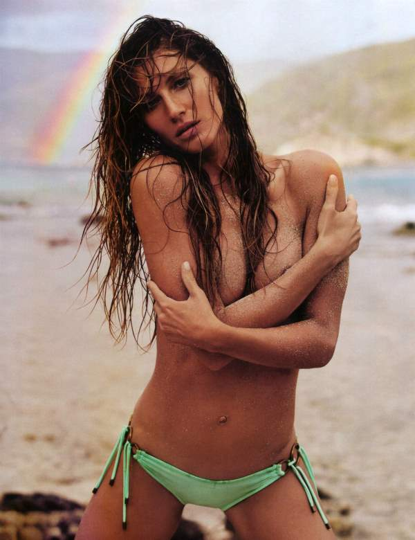 Sexy Gisele Pictures Topless