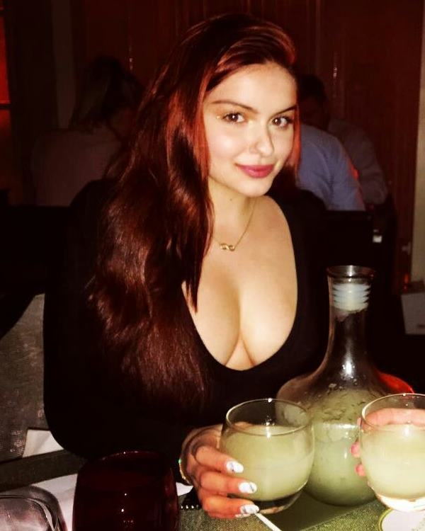 Hot Ariel Winter Pictures