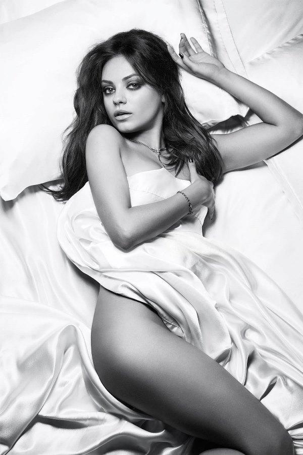 Naked Mila Kunis